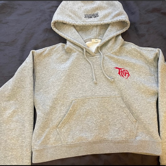 TNA Graphic Cropped Hoodie